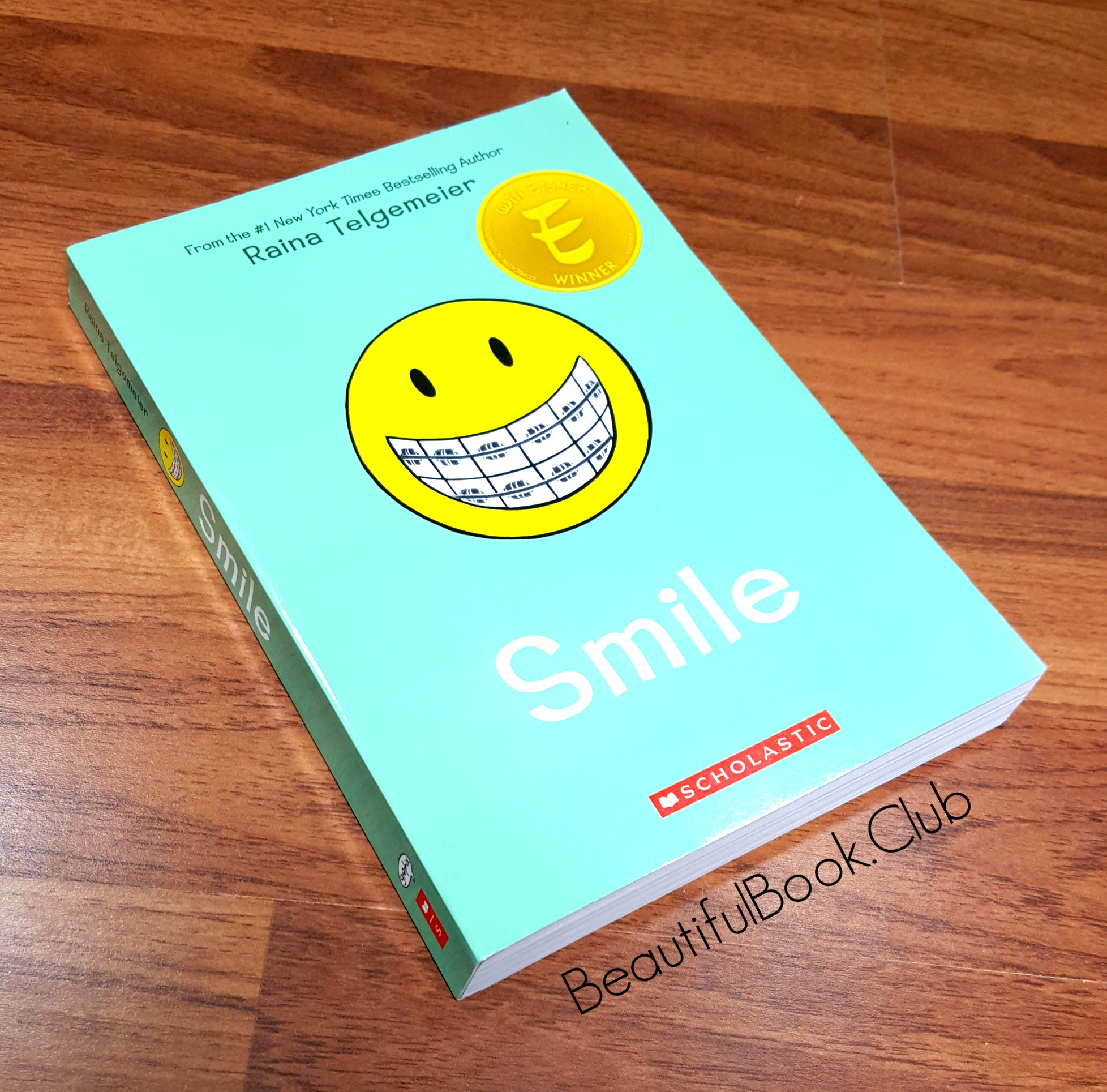 smile by raina telgemeier graphic novel